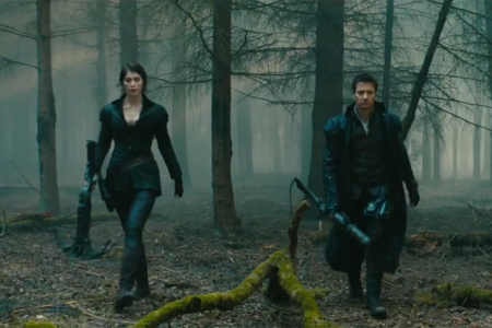 hansel-and-gretel-get-grimm-and-gory-in-witch-hunters-0