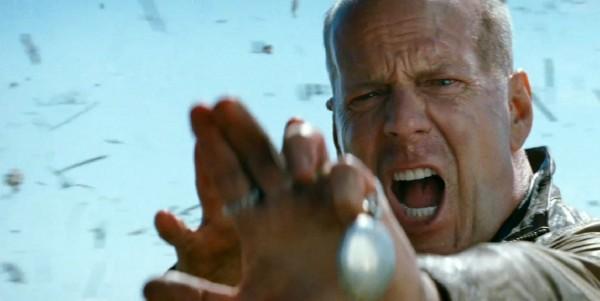 Bruce-Willis-in-Looper-2012-Movie-Image-600x301