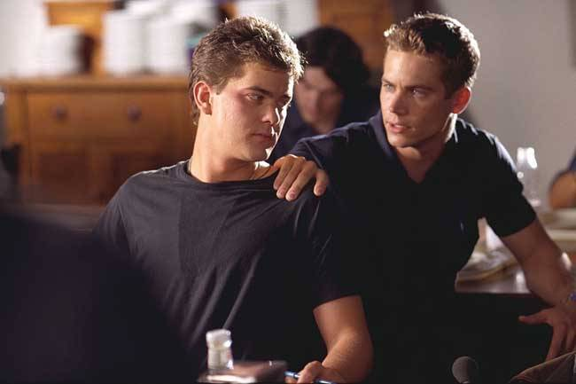 joshua-jackson-et-paul-walker-the-skulls-societe-secrete_528487f061fa3