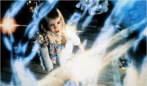 Poltergeist 1982 Réal. : Tobe Hooper et Steven Spielberg Heather O'Rourke COLLECTION CHRISTOPHEL